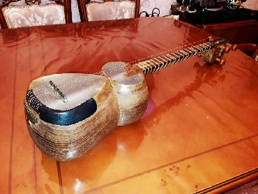 Тар - Азербайджан: Professional Şuşa tarı. Futlyar ilə birlikdə