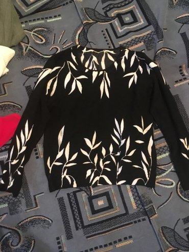 женский свитер 150 сом,возможен торг,0557400377 в Бишкек