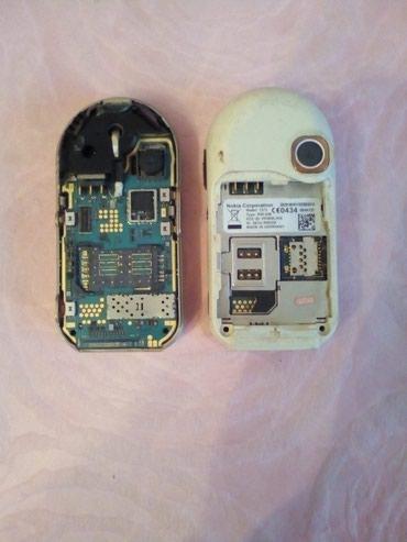 Bakı şəhərində Nokia 7373 telefonlari. Ishlemirler. Ehtiyat hisseleri kimi satilir.