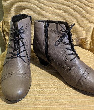 tufli zhenskij cvet в Кыргызстан: Продаю Б\У Турецкие женские ботиночки. Состояние - 4+Цвет -