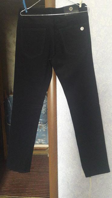 Bakı şəhərində Совершенно новые брюки. длина 107 см. объем бедра 84