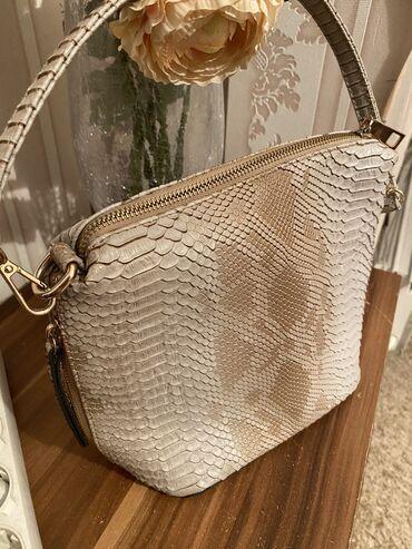 Срочно продаю сумку за символичную цену- 500 сомов