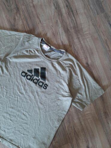 ADIDAS muska majica. Veličina M