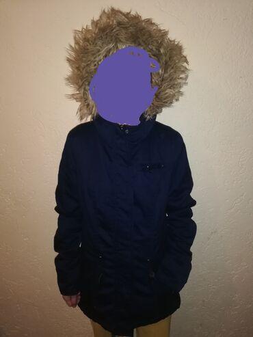Prelepa zenska jaknaVeoma toplaVelicina s ali moze i mBez ikakvih