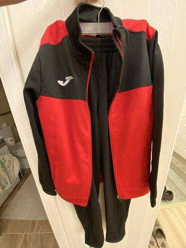 Личные вещи - Чон-Таш: Продается спортивный костюм.  Размер - 46  Производство - Россия