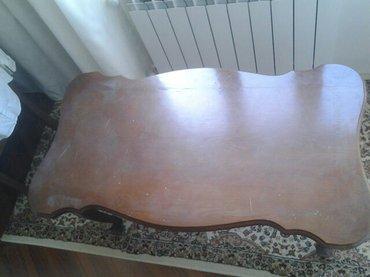 Bismenli stol az istifadə olunub biraz cizgisi var təcili satılır