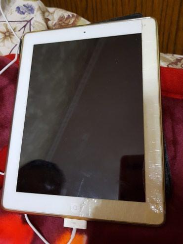 Продаю планшет iPad,экран сломанный, Есть чехол, зарядное устройство.  в Бишкек