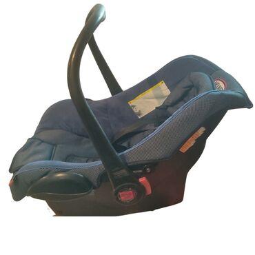 Детское автокресло. 2000 сом