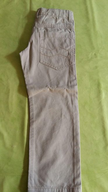 Pantalone za decake vel.5god,polovne i ocuvane,kupljene u Parizu,bež - Petrovac na Mlavi