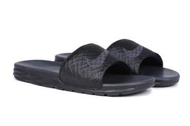 Тапочки муж. Nike Benassi  Цена 4600-20%=3700 в Бишкек