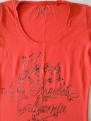 Guess-maskirne-farmerke - Srbija: Kvalitetna i odlično očuvana Guess majica, puna elastina, veoma