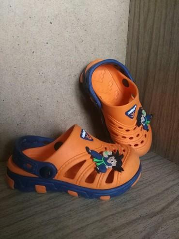 Кроксы 24 размер, цена 300 сом. На ножку до 14,5-15 см в Бишкек
