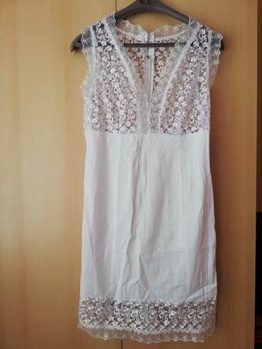 Bela haljina sa cipkom, nosena dva puta, sivena, odgovara broju 38 - Lajkovac