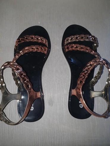 женские босоножки на широкую ногу в Азербайджан: Сандалии и шлепанцы 36