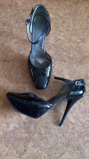 состояние хорошоя в Кыргызстан: Удобные вечерние туфли, в хорошем состоянии, размер 39. хорошо