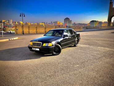 Mercedes-Benz 230 2.3 l. 1998 | 210000 km