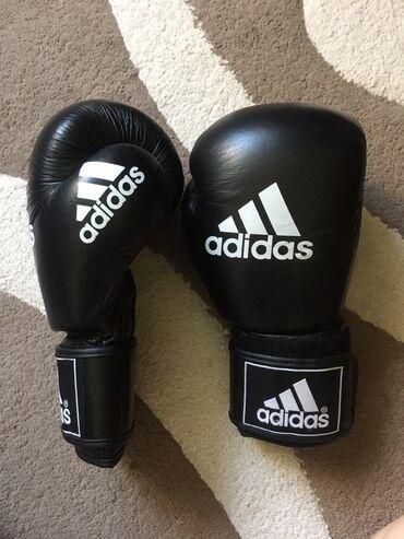 Боксерские перчатки  Размер 10 Б/у состояние отличное