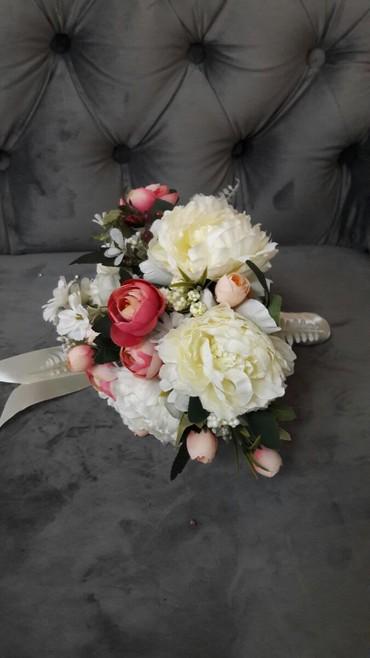 Свадебные аксессуары - Кыргызстан: Свадебные букеты пионы, тренд сезона, цена 1200 сом
