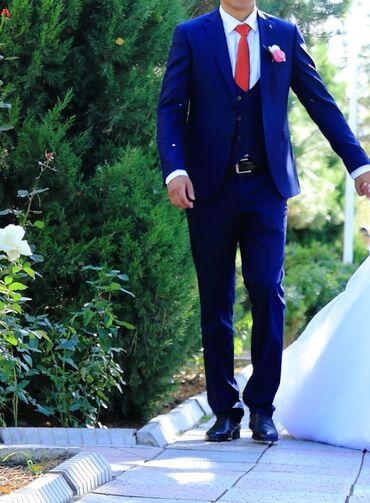 джоггеры мужские в Кыргызстан: Сдаю на прокат мужской костюм темно синего цвета. Подойдёт для деловых