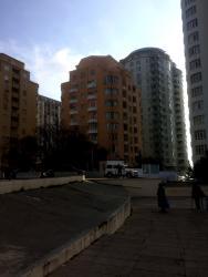 itler satilir - Azərbaycan: Mənzil satılır: Studiya, 692 kv. m