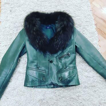 Kozna jakna sa krznom - Srbija: Zelena kozna jakna sa pravim krznom S velicina iz Italije