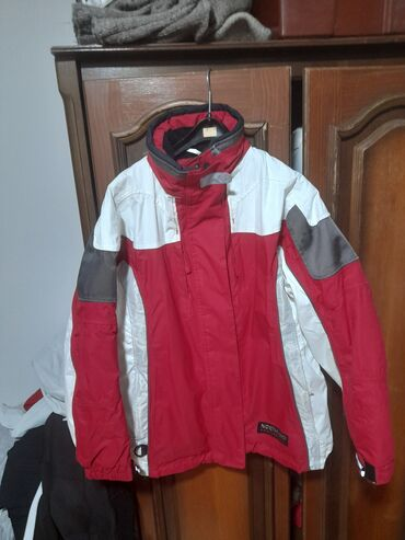 Prodajem novu zimsku jaknu musku