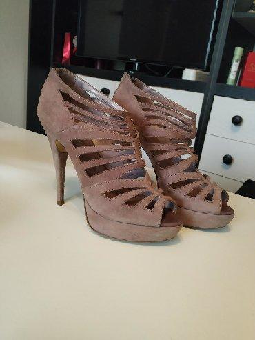 Ženska obuća | Plandište: Sandale nošene u nekoliko prilika. iako su kupljene pre dosta godina