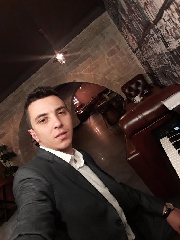 видеооператоры в Азербайджан: Pianoçuyam.Özümün elektron pianomda var.Ehtiyac olarsa pianonu apara