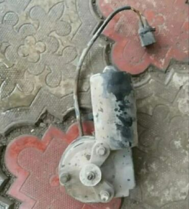 Продаю на БМВ 34е моторчик для дворника рабочий
