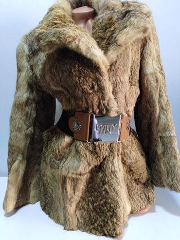 Lep jako model - Srbija: Bunda od prirodnog krzna,prelep model kao jakna,strukirana,kopčanje na