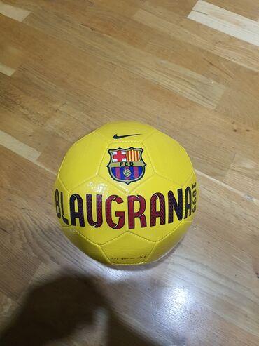 Мячи - Азербайджан: Orginal Barcelona topu Satilir Xaricden gelib