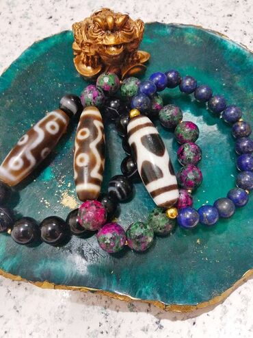 Браслеты ручной работы с Настоящими Бусинами Дзи и натуральными камням
