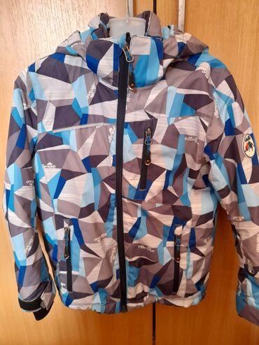 Decija(skijaska) jakna, vel 6,nepromociva, otporna na sneg i kisu, kao