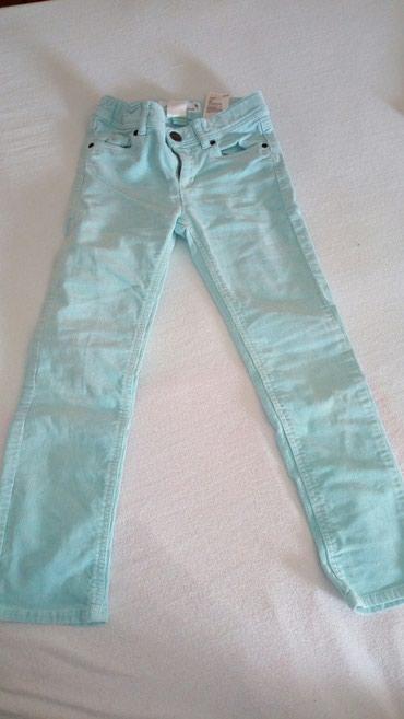 Parka-boja-maslinasto-zelena-marka-hm - Srbija: Predivne somot pantalonice boja predivna HM vel 116 ili, 5-6 godina
