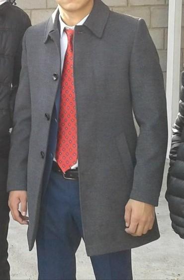 Мужские пальто в Кыргызстан: Продаю срочно пальто. Размер 46-48. В отличном состоянии. Носил 2 раза