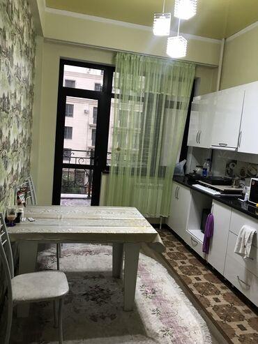 Комнаты в Бишкек: Сдаю комнату с подселение в центре города -золотой квадрат!элитка все