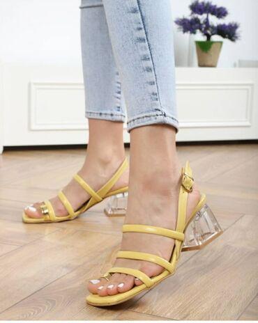 Женская обувь - Бишкек: Абсолютно новые Босоножки на каблуках 6см, заказывала с
