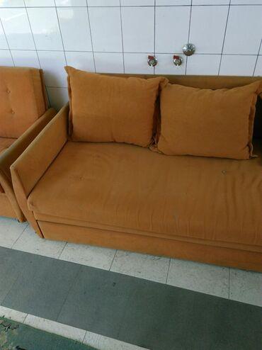 Lezaj veliki I 2 fotelje u odlicnom stanju 3000 din