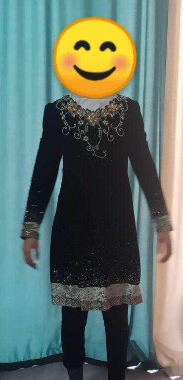 платья из велюра в Кыргызстан: Продаю платье в отличном состоянии велюровое,размер 42/44