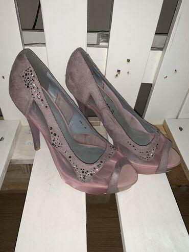 Ženska obuća | Subotica: Nove stikle, dostupne u br 38
