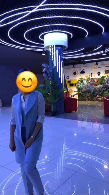Продаю костюм небесного голубого цвета очень красивый размер 36-38