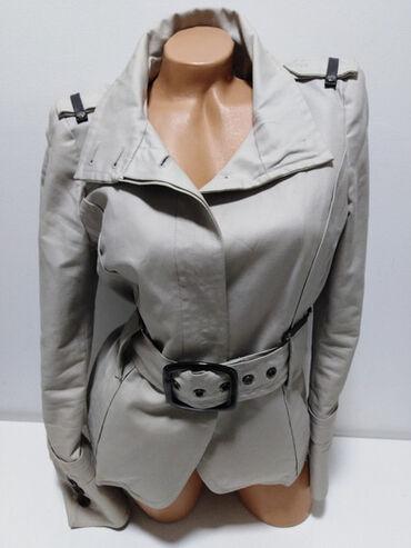 ZARA vrhunska jakna,prelep strukirani model,97%pamuk,3%spandex,zaista