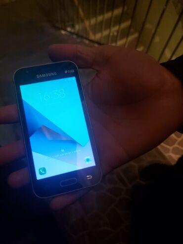 Samsung galaxy j1 - Азербайджан: Samsung galaxy j1 mini hecbir problemi yoxdu karopkasi adaptiri