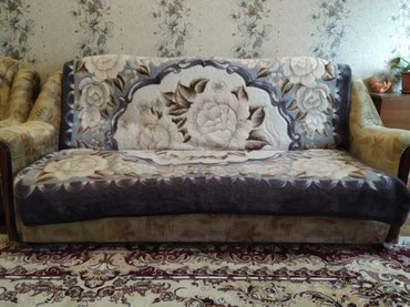 Продаю диван раскладной(книжка) + 2 кресла. Обращаться по тел. в Бишкек