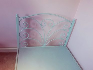 Продаю металлический кроват. длина 2м, ширина 1м в Бишкек