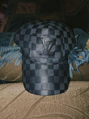 Продается кепка Loius Vuitton осталось 1 штука недорого торг уместен