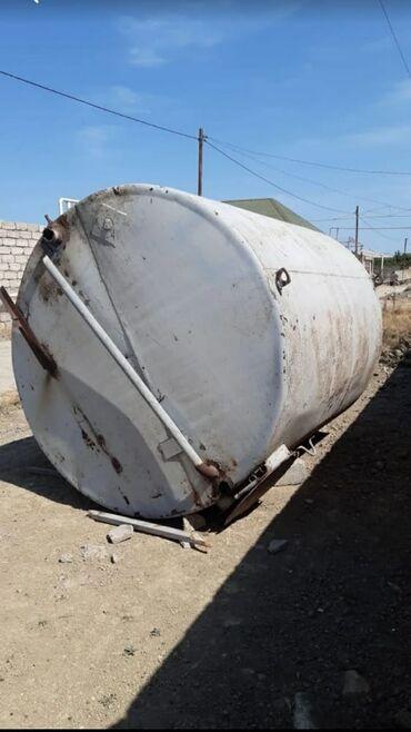 13 tonluq bak qalın dəmirdendir.Deffekti cürüyü yoxduren 2.20.,hünd