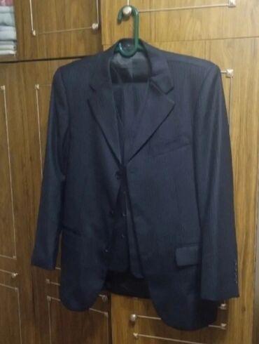 Личные вещи - Аламедин (ГЭС-2): Продаю костюм тройкаОдивали пару разРазмер 46 - 48Район старого
