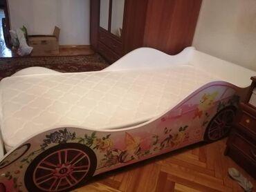 бу детские кроватки в Кыргызстан: Срочно продаётся буу детский   кроватк машина с матрасом
