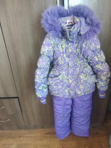 резиновый комбинезон детский в Кыргызстан: Комбинезон детский приятного фиолетового цвета.На 4-5лет.Состояние